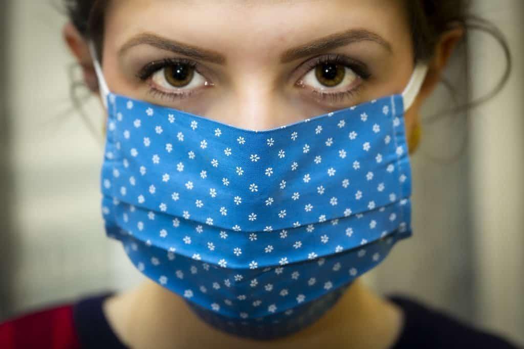 college COVID mask